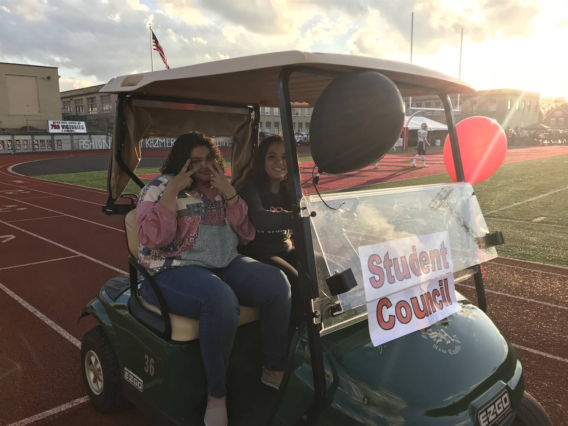 Student Council members Alexis Gish and Jasilyn Rankin
